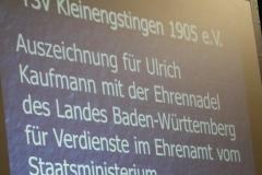 Bürgermeister Storz überreicht Ulrich die Ehrennadel des Landes Baden-Württemberg 8